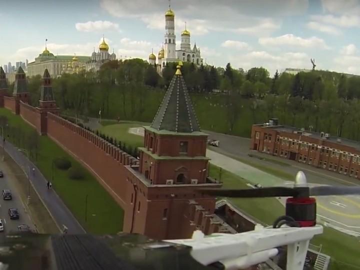 Полиция задержала двоих граждан Германии, которые вели съемку Московского Кремля с квадрокоптера Phantom-3