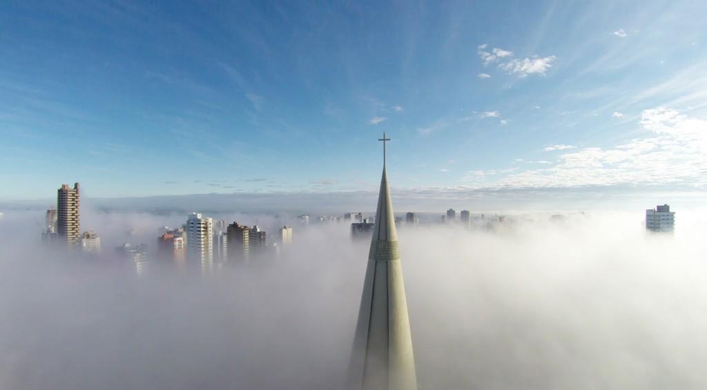 Над туманом Маринга-Парана, Бразилия
