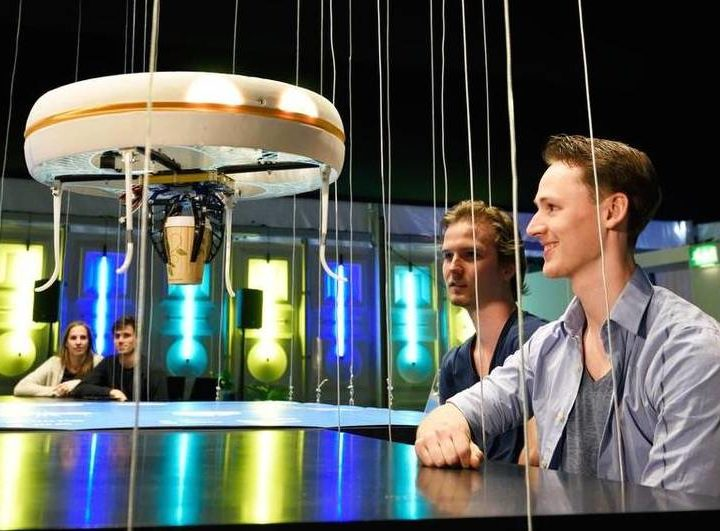 В Нидерландах открыто первое Drone cafe, где напитки разносят дроны